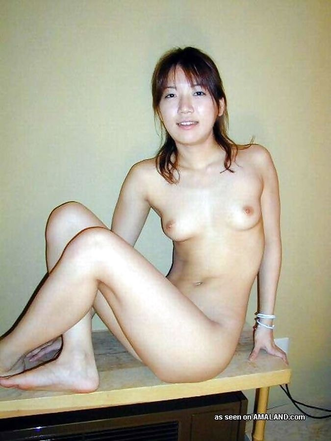 Hot photo collection of a kinky asian chick posing naked - part 1203