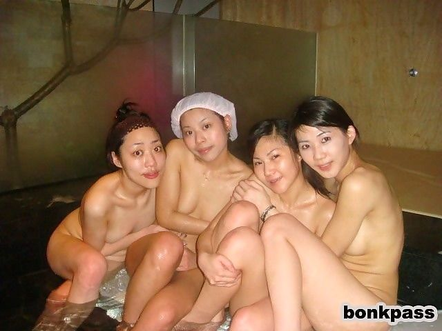 Chinese girlfriends fucks in bath house - part 1795