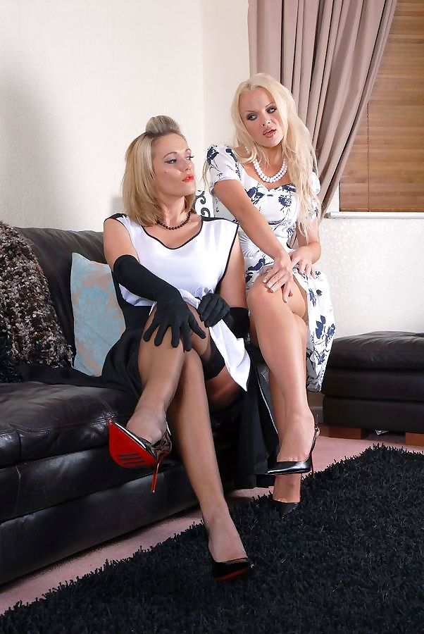 Posh females Lucy Zara & Frankie partake in lesbian relations