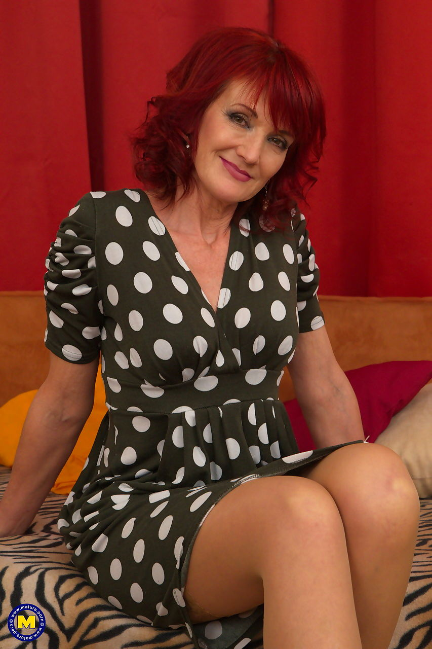 Mature redheaded housewife cheats on her husband in tan stockings