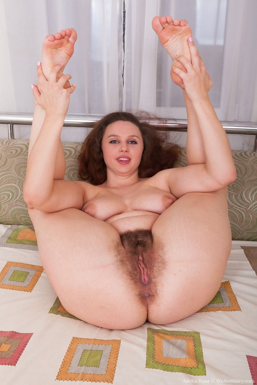 Big boobed amateur Adelia Rosa sticks a dildo in her hairy vagina