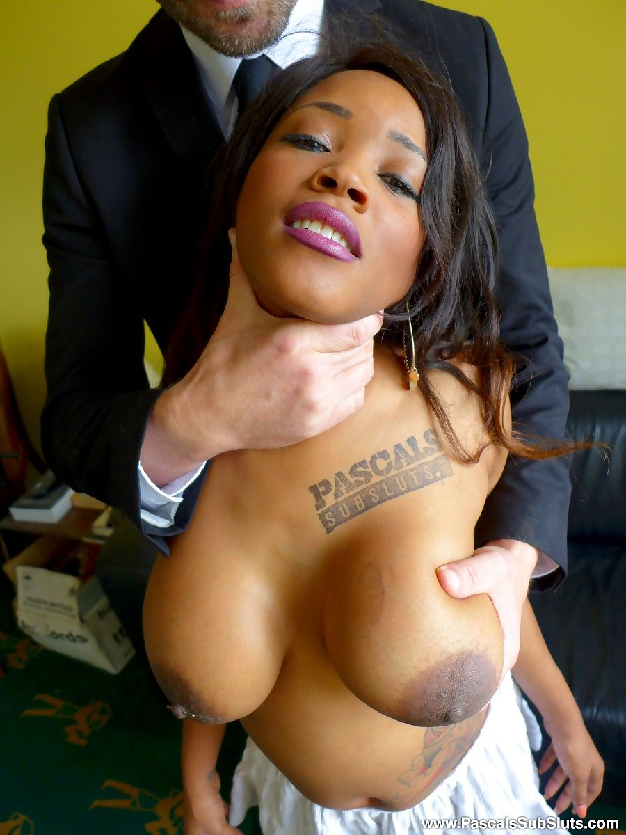 Sexy black girl Kiki Minaj exposes her big naturals before getting fucked