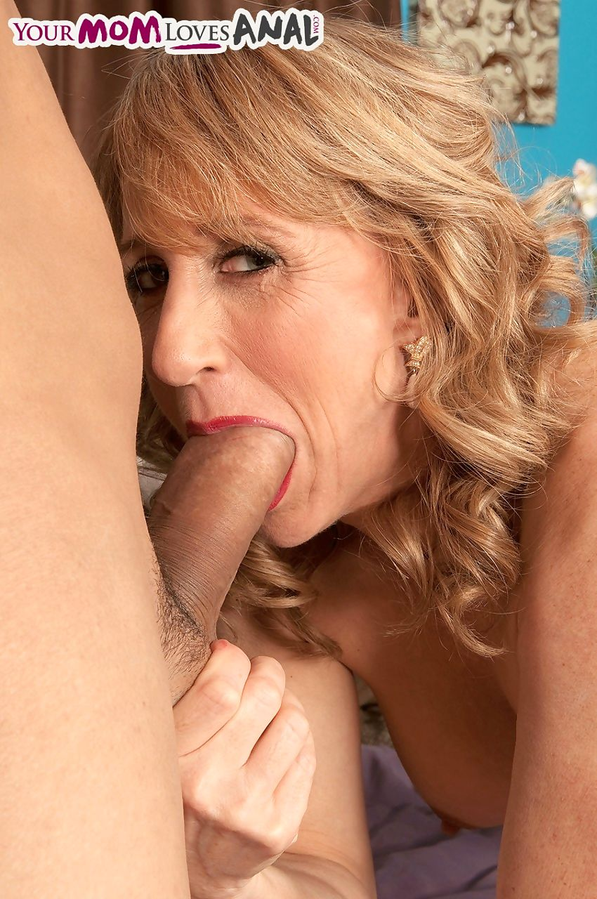 Kinky mom Shana DuPlae gets her pierced cunt and asshole banged by a stud