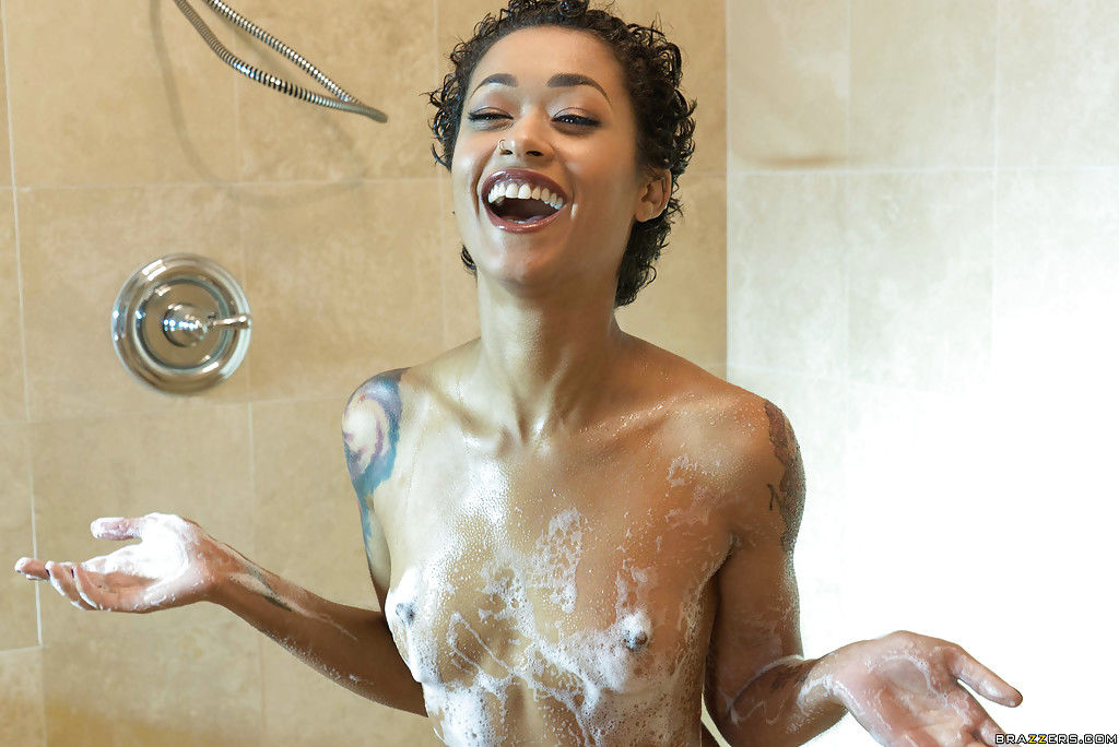 Ellena Woods and Skin Diamond have wet interracial lesbian sex in shower