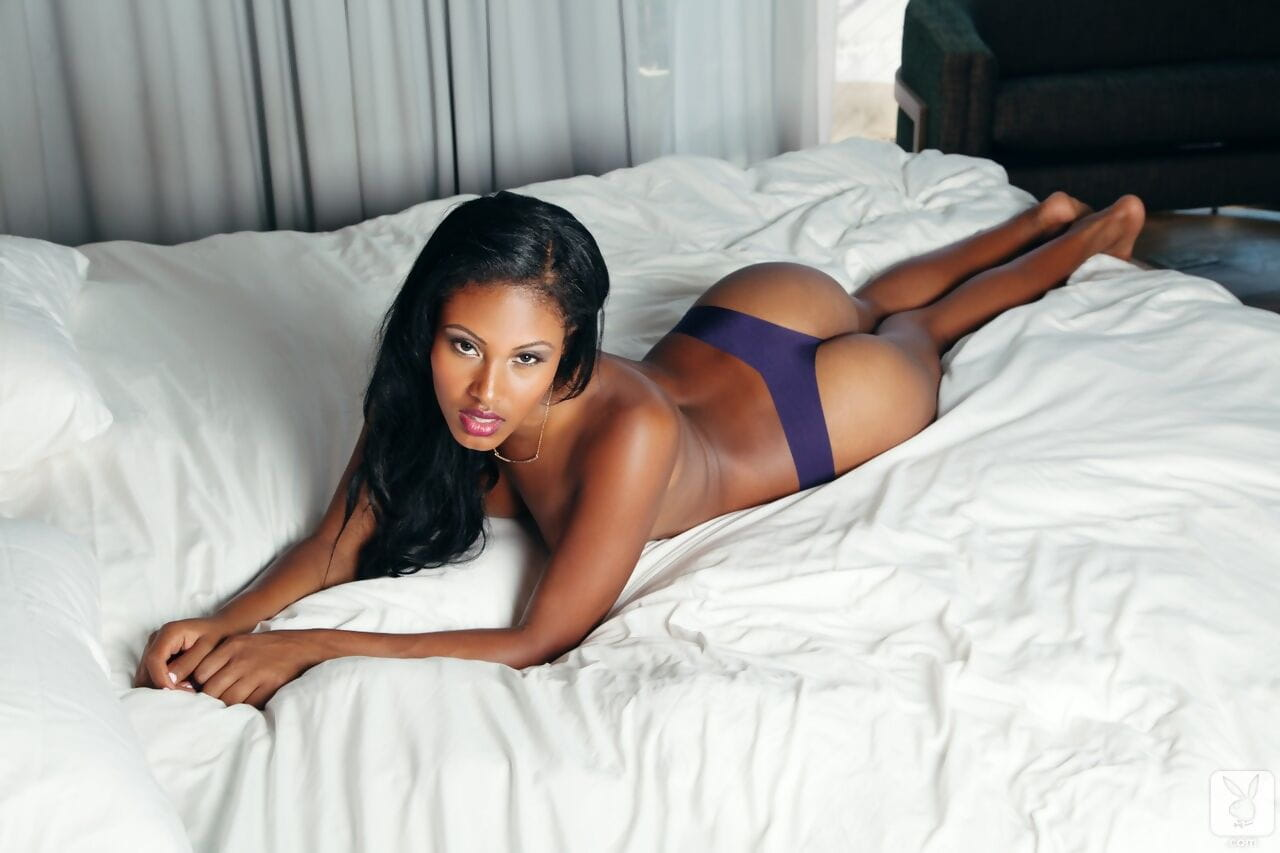 Stunning ebony babe Teresa Ransom showing her perfect figure in solo