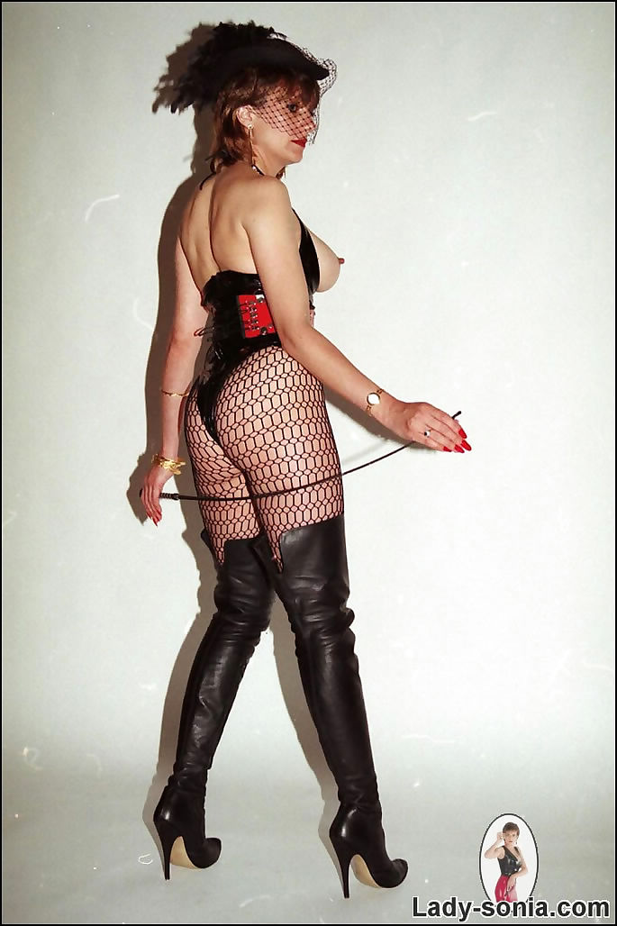 Latex and boots dominatrix milf lady sonia - part 262
