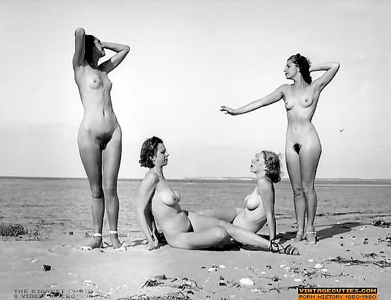 Haarig nackt frauen und Große Titten: