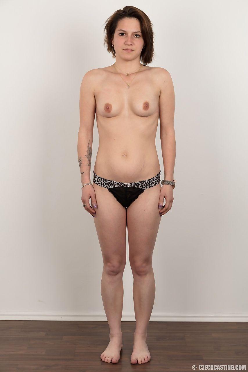 Brüste nackte kleine Mädchen kleine
